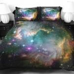 宇宙マニア歓喜!広大な宇宙に抱かれながら眠れる布団セットが素敵なクオリティ!