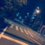 夜の散歩はかなりイイ感じ!夜に行うウォーキングの大きなメリットとは!?ランニングよりもウォーキングが健康にイイって本当なの!?